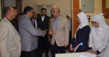 صور.. محافظ بنى سويف يتفقد مستشفى سمسطا ومشروع وحدة المرور