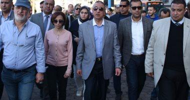 """صور.. محافظ الإسكندرية: """"من حق الغلابة يشوفوا البحر"""""""
