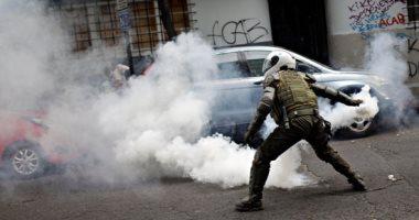 الشرطة فى تشيلى تسحل وتعتقل المتظاهرين خلال احتفالات اليوم الوطنى