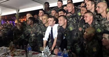 ماكرون يزور الجنود الفرنسيين فى ساحل العاج للاحتفال معهم بعيد الميلاد