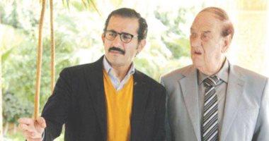 أحمد حلمى ومحمد سعد يسلمان حسن حسنى تكريمه من المهن التمثيلية الأربعاء