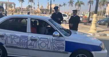صور.. ضبط حنطور غير مرخص وتغريم 10 آخرين لعدم مضايقة السائحين بالأقصر