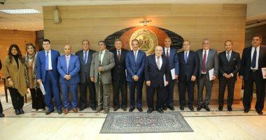وزير الاتصالات يجتمع بأعضاء لجنة حماية حقوق المستخدمين