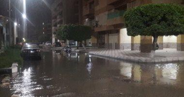 غرق وحدات سكنية وشوارع بالسويس بسبب ارتفاع منسوب مياه شاطئ بورفؤاد.. صور