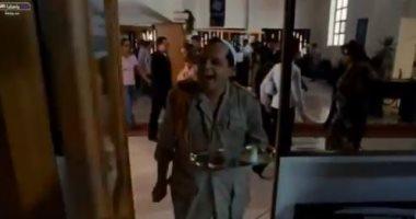 محمد هنيدى يحتفل بـ2020 على طريقته.. والجمهور:  بداية غير مشجعة .. فيديو -