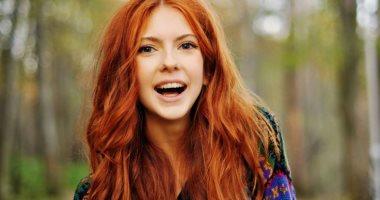 لون الشعر المفضل بيقول إيه عن شخصيتك؟ الأسود للاجتماعية والأحمر حساسة