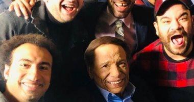 الزعيم عادل أمام فى صورة جديدة من كواليس فلانتينو مع نجوم مسرح مصر