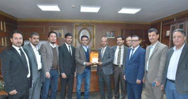 صور .. سفير اليمن لدى القاهرة : نقدر جهود مصر فى الدعم الطبى للجرحى
