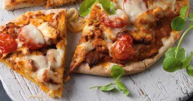 راحت على المطاعم.. آلة جديدة يمكنها إعداد البيتزا فى ثلاث دقائق فقط