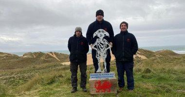"""اختفاء تمثال """"دوبى"""" بطل أفلام هارى بوتر بعد نصبه على شاطئ ويلز بـ48 ساعة"""