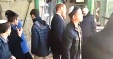 فيديو.. متطرف إسرائيلى يقتحم المسجد الأقصى برفقة المستوطنين فى حماية الاحتلال