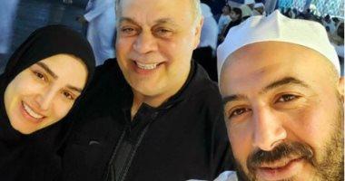 """""""أحلى صدفة مع الحبايب"""".. مجدى الهوارى وأشرف زكى وروجينا فى المسجد النبوى.. صور"""