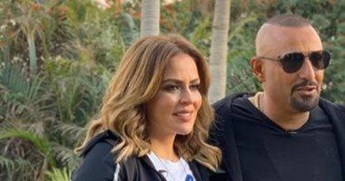 أحمد السقا يستقبل 2020 بصورة مع زوجته وهذا تعليقه عليها -