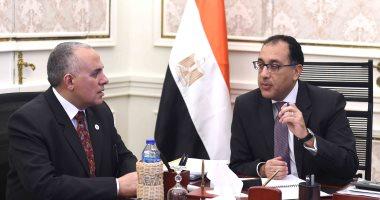 رئيس الوزراء يناقش ملفات ترشيد استهلاك المياه مع وزير الرى