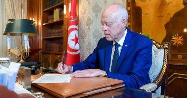 الرئيس التونسي يؤكد أهمية تطوير العلاقات التونسية الجزائرية