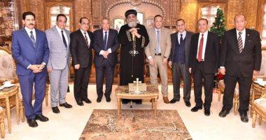 البابا تواضروس يستقبل رئيس هيئة النيابة الإدارية للتهنئة بالعيد