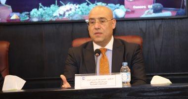 وزير الإسكان يتفقد أبراج العلمين ويطمئن على الالتزام بإجراءات سلامة العاملين