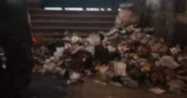 شكوى من انتشار الباعة الجائلين والقمامة بمحطة مترو المرج