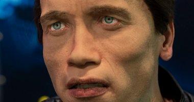 روبوت بوجه الممثل أرنولد شوارزنيجر يقلد التعبيرات البشرية ويرد على الأسئلة