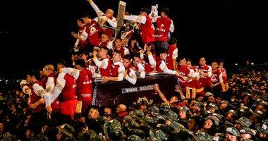 """آلاف الفلبينيين يخرجون فى موكب دينى لتقبيل تمثال """"الناصرى الأسود"""""""