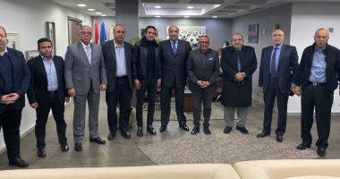 الأندية تطالب وزير الرياضة بتحمل تكلفة الإجراءات الطبية لعودة الدورى