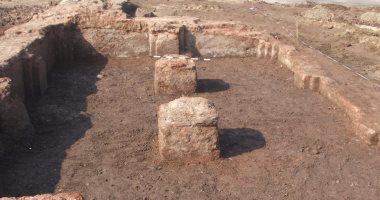 صور.. السياحة تبدأ أعمال الإنقاذ لموقع أثرى مكتشف حديثا فى شمال سيناء