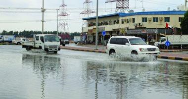 المرور : أمطار خفيفة على الطرق..وحركة السيارات تسير بانتظام