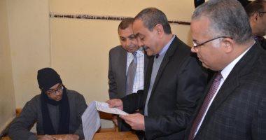 صور.. محافظ الإسماعيلية يتفقد لجان امتحانات الأول والثانى الثانوى العام