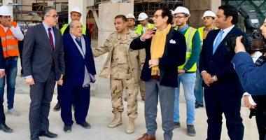 صور.. فاروق حسني يزور المتحف الكبير ويؤكد: هدية السيسى للإنسانية