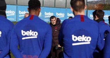 وسائل إعلام إسبانية: فالفيردى يودع لاعبى برشلونة
