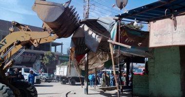 صور.. تحرير 16 محضر إشغال وإزالة 80 طن تراكمات ومخلفات في حملة بشوارع البياضية