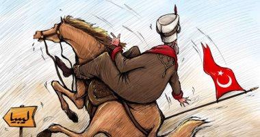 كاريكاتير صحيفة إماراتية.. تركيا تسقط فى رمال ليبيا