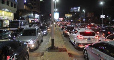 زحام مرورى فى محيط شارع البطل أحمد عبد العزيز