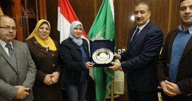 محافظ المنوفية يستقبل نقيب تمريض مصر احتفالا باليوم العالمى للتمريض