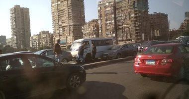 فيديو.. حادث تصادم أعلى كوبري أكتوبر اتجاه التحرير