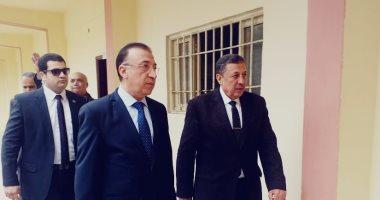 محافظ الإسكندرية يتفقد لجان امتحان الشهادة الإعدادية