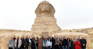 وزيرة التعاون الدولى تصطحب وفد المديرين التنفيذيين للبنك الدولى فى جولة بالأهرامات