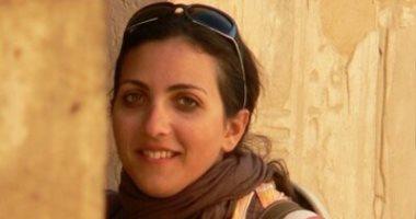عالمة تسخر من إعلامى إخوانى: أيام مرسى هريتونا فتاوى عن جواز سرقة الآثار