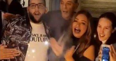 ليلى علوى تحتفل بعيد ميلاد ابنها بحضور حميدة وإلهام ونيللى.. فيديو وصور