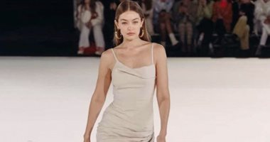 جيجى حديد تتألق بفستان أبيض فى أول عروض أسبوع الموضة بباريس.. صور