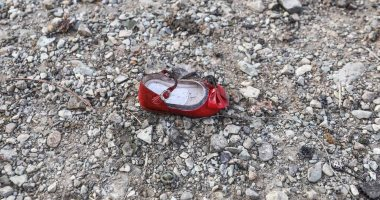 """أبرزها """"ذات الحذاء الأحمر"""".. ذكريات ضحايا طائرة أوكرانيا يرويها أقاربهم (فيديو)"""