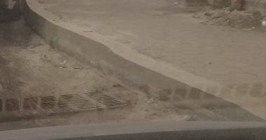 """""""سيبها علينا"""".. عرض الرصيف بشارع مجرى العيون يتسبب في زحام مرورى (صورة)"""