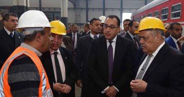 مدبولى من مصنع سيماف: مستعدون لاستيعاب منتجات المصنع ضمن منظومة النقل