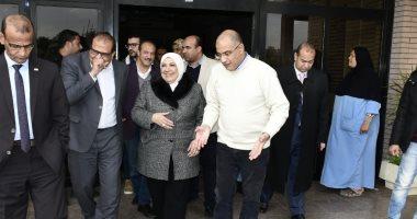 صور  .. رئيس جامعة القناة تتابع خطط تطوير أقسام المستشفى الجامعى