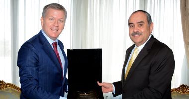سفير كندا بالقاهرة يشكر مصر للطيران لتنظيم رحلة لإعادة الكنديين لبلادهم