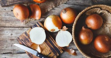 Hair care.. 3 masks from onions to prevent hair loss and shine