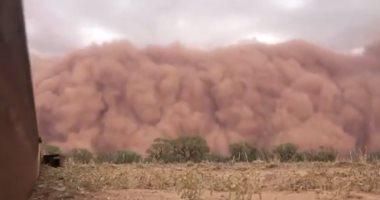 """""""مش فيلم خيال علمى"""".. شاهد لحظة هجوم عاصفة رملية على نيو ساوث ويلز الأسترالية"""