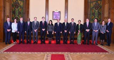 وزيرة التعاون الدولى تنشر صورا للقاء السيسى بوفد المديرين التنفيذيين للبنك الدولى
