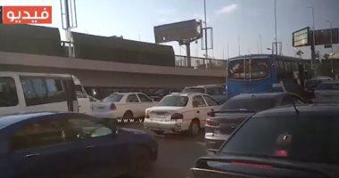 فيديو.. زحام مرورى أمام القادم من ميدان الإسعاف وفى طريقه إلى كوبرى أكتوبر