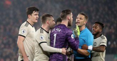 واقعة اعتراض لاعبى مانشستر يونايتد على حكم مباراة ليفربول